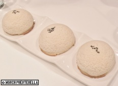 Crispy Minced Duck Snow Buns (P198): Tuan Tuan's snow buns filled with minced duck in special sauce.